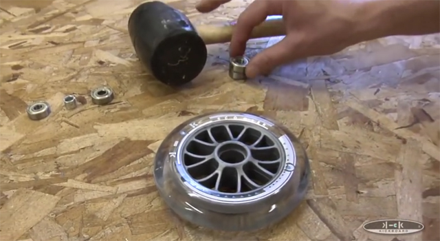 videos015_changingbearings_12