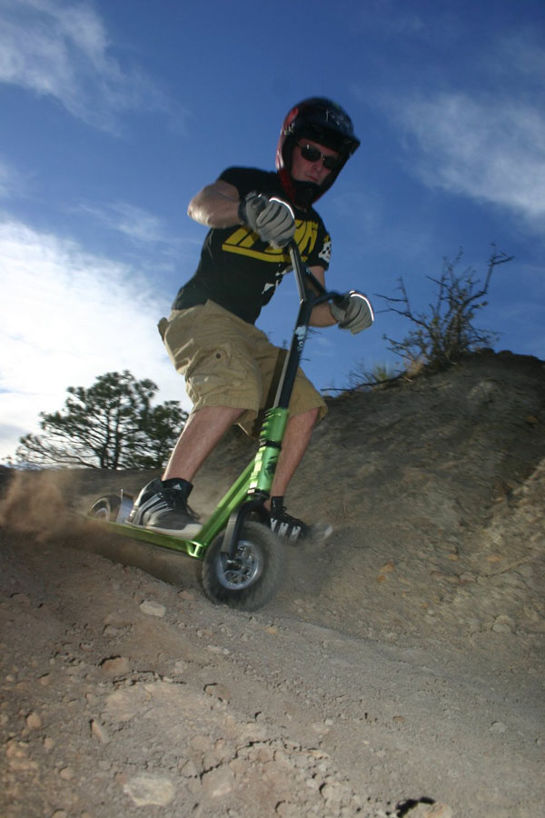 royalscoutdirtscooter_pdtimg_02