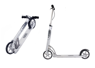 Xootr Roma Kick Scooter Review